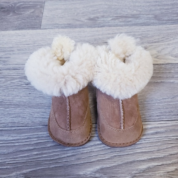 ec7a93d0849 UGG Boo Sheepskin Booties - Baby Toddler 5206